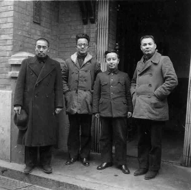 Чжоу Эньлай, Бо Гу, Ван Мин, Е Цзяньин. Чунцин, 1938